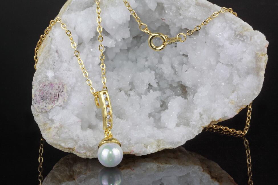 Collar cadena cadena larga con remolque diablo circonita en oro o plata